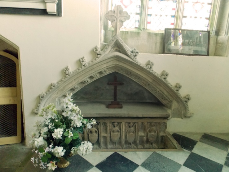 Another unattributed tomb at Stoke Rochford, this one in the north chapel, by Acabashi, Wikimedia Commons (CC-BY-SA-4.0)
